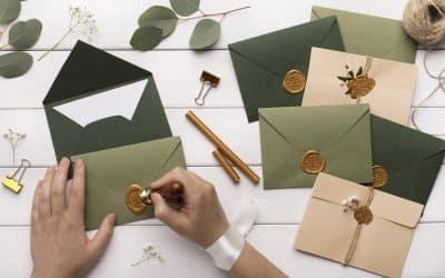 Les 5 avantages des invitations imprimées par rapport aux invitations numériques